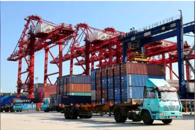Thặng dư thương mại của Trung Quốc với Mỹ đạt mức cao kỷ lục