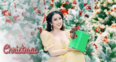 Nữ hoàng Sắc đẹp Châu Á Kim Trang tung bộ ảnh mừng giáng sinh