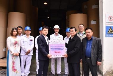 Công ty Cổ phần Giấy An Hòa cùng đoàn công tác của nguyên Chủ tịch nước Trương Tấn Sang thăm và làm việc tại Tuyên Quang