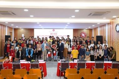 Sinh viên cơ sở II trường Đại học Ngoại Thương sôi nổi tại hội thảo về khởi nghiệp và sáng tạo