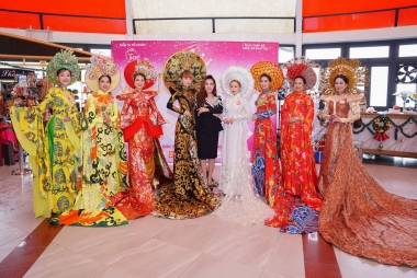 Ngắm nhìn hoạt động trình diễn thời trang tại Bà Nà Hills