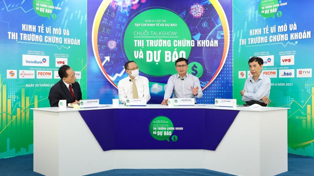 TS. Nguyễn Sơn: Dòng tiền mạnh tạo hiệu ứng tích cực, chứng khoán còn dư địa tăng