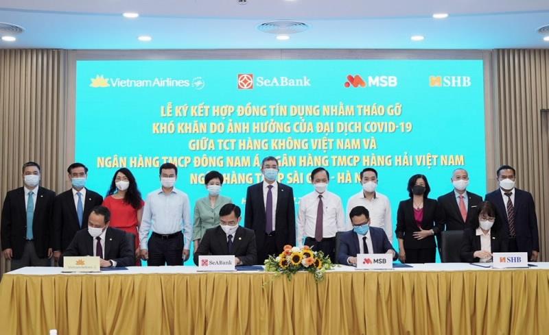 3 ngân hàng cho Vietnam Airlines vay 4.000 tỷ, NHNN tái cấp vốn trở lại với lãi suất 0%