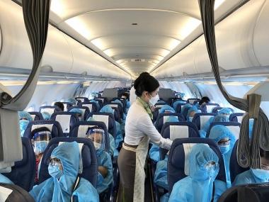 Vỡ oà niềm vui trên chuyến bay Bamboo Airways chở người Gia Lai từ TP. HCM