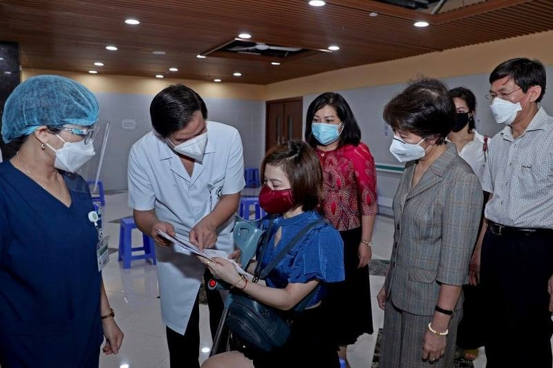 Bộ Kế hoạch và Đầu tư hỗ trợ người lao động khuyết tật tiêm vaccine phòng Covid-19