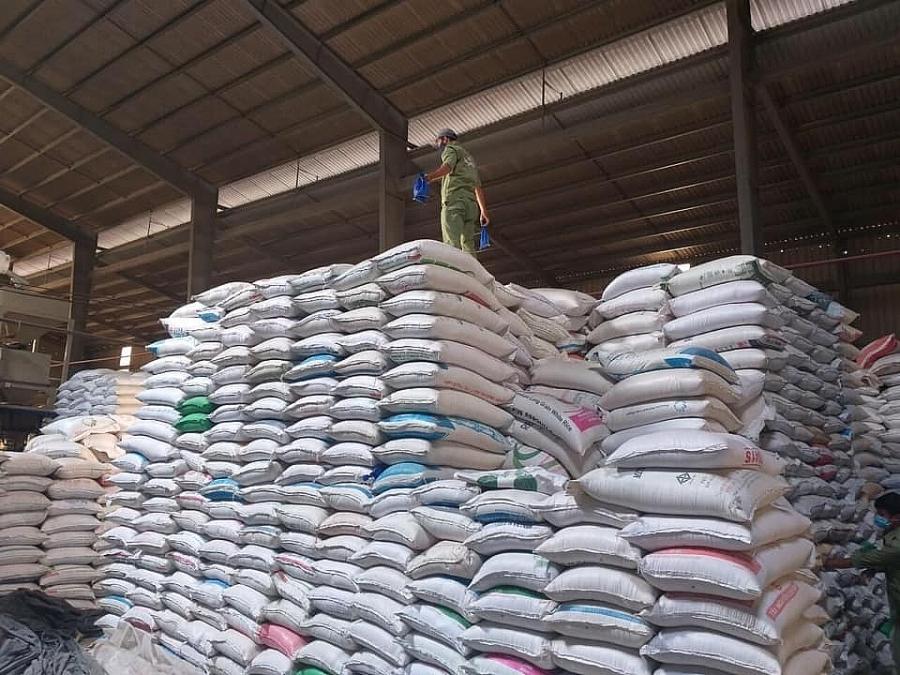 Thống đốc chỉ đạo nới tín dụng, tăng khả năng thu mua thóc, gạo tại Đồng bằng Sông Cửu Long