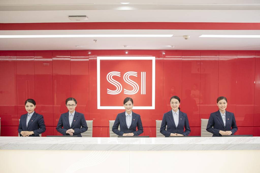 Tháng 8, SSI phát hành thêm 170 triệu chứng quyền, trở lại TOP dẫn đầu thị trường