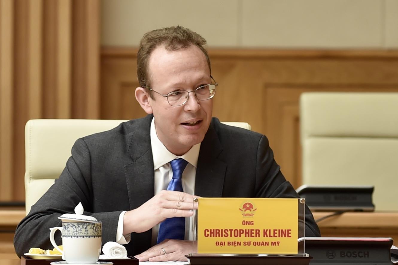 Chính phủ lắng nghe, hỗ trợ các nhà đầu tư nước ngoài trên tinh thần hài hòa lợi ích, chia sẻ rủi ro