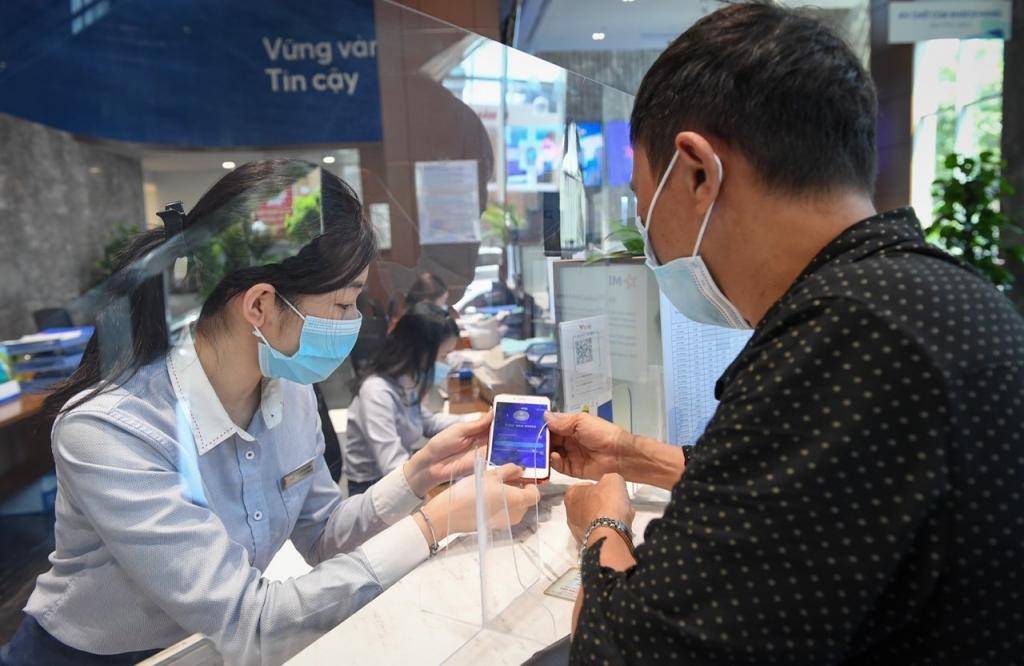 Forbes vinh danh MB trong TOP 6 thương hiệu tài chính dẫn đầu Việt Nam
