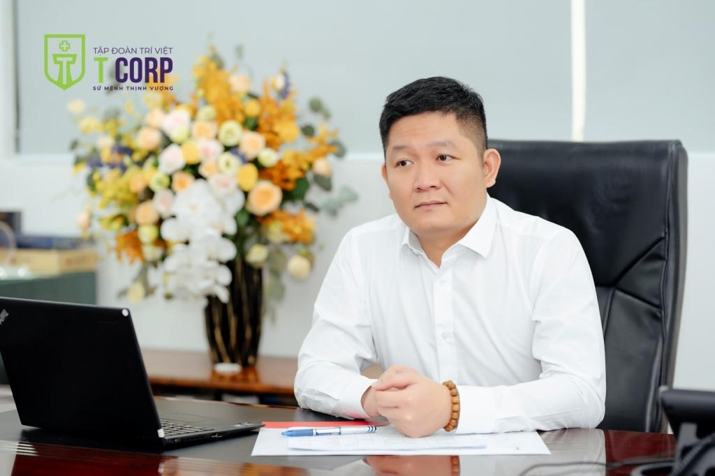 """Chủ tịch Tùng Trí Việt: """"Tôi chọn gắn mình với lợi ích cổ đông"""""""