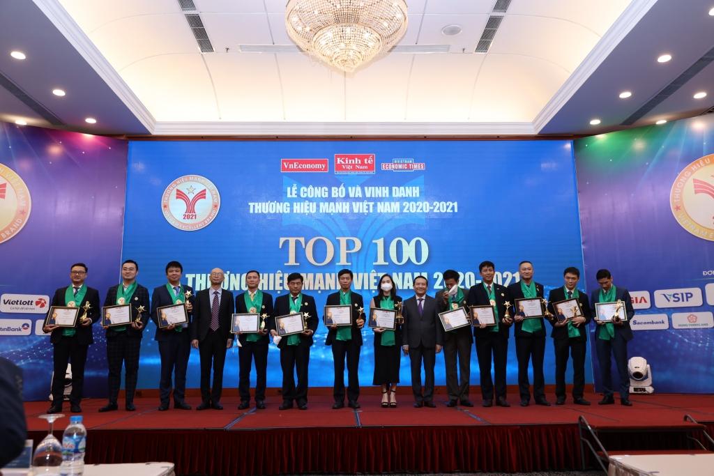 """Chứng khoán Bảo Việt năm thứ 7 ghi danh """"TOP 100 thương hiệu mạnh Việt Nam"""""""