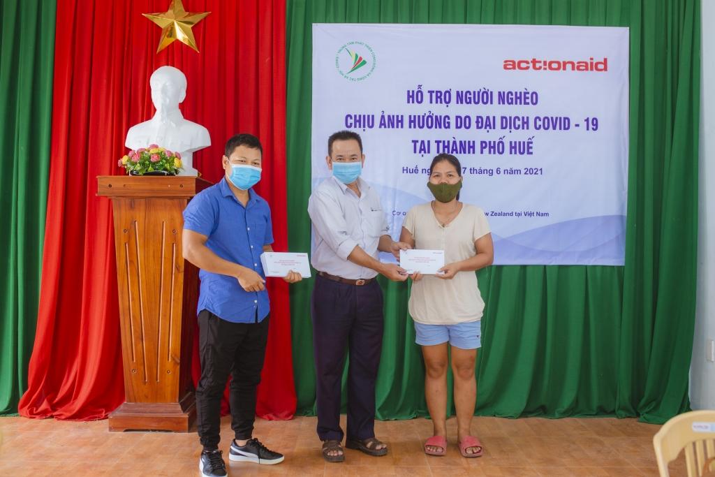 Đại sứ quán New Zealand cùng Action Aid Việt Nam hỗ trợ người dân vượt qua COVID-19