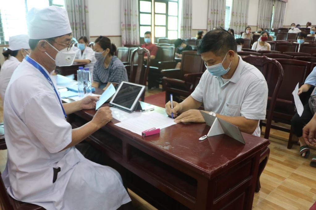 Vĩnh Phúc tiêm vắc xin phòng Covid-19 cho 398 chức sắc, chức việc trên địa bàn tỉnh