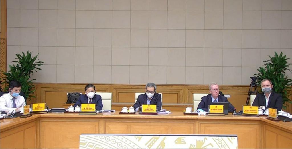 Thủ tướng Chính phủ làm việc với doanh nghiệp EU, thảo luận giải pháp ứng phó với COVID-19