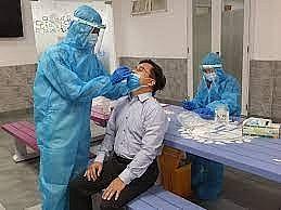 Thủ tướng yêu cầu Bộ Y tế sớm ban hành hướng dẫn doanh nghiệp tự xét nghiệm COVID-19