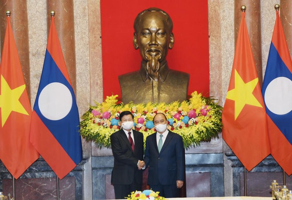 Việt Nam – Lào cùng hỗ trợ nhau vượt qua đại dịch