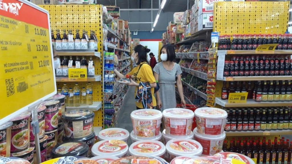 Bán lẻ hàng hóa và dịch vụ tiêu dùng tháng 7 giảm 8,3% so với tháng trước