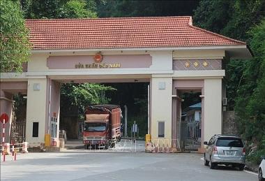 Trung Quốc tạm dừng xuất nhập khẩu tại cửa khẩu Cốc Nam - Lạng Sơn vì Covid-19