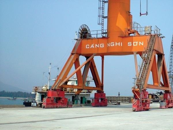 Đề xuất Cửa khẩu cảng biển Nghi Sơn được nhập khẩu ô tô chở người dưới 16 chỗ