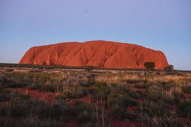 Uluru: Hòn đá linh thiêng của người Anangu Pitjantjatjara