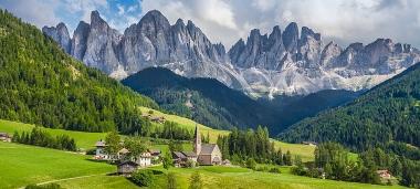 Sừng sững The Val di Funes tại Ý